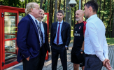 """""""Tam khó"""" bủa vây AC Milan tháng Giêng, liệu có """"bom tấn""""?"""