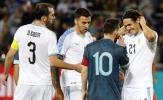 10 lần Messi đánh mất lý trí trên sân cỏ: Suýt 'choảng' Cavani