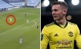 Vung tay 'nhanh như chớp', Henderson góp công xé toạc mành lưới Man City