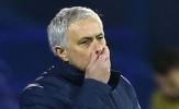 Mourinho bị chỉ trích, HLV đối thủ nói lời thật lòng