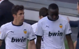 Phản ứng của Rio Ferdinand khi Valencia bỏ ngang trận đấu