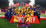 Messi cùng dàn sao Barca quẩy tưng bừng sau khi vô địch Copa del Rey