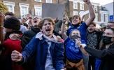 CĐV Chelsea mở hội ăn mừng khi Super League 'chết yểu'