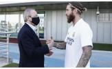 Roberto Carlos tiết lộ về thương vụ gia hạn giữa Ramos với Real
