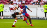 Depay gây sốt khi tái hiện siêu phẩm của Neymar