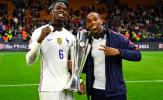 Martial cười tươi cùng tuyển Pháp ăn mừng danh hiệu Nations League