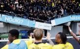 Tai nạn sốc ở Hà Lan, nhóm NHM khiến khán đài bị sập