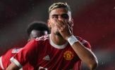 Phát cuồng với siêu phẩm, fan Man Utd gọi tên Pirlo tiền mùa giải