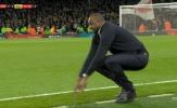 Lacazette ghi bàn phút chót, Vieira phản ứng ra sao?