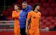 Man City vỡ vụn, Pep nhận tin xấu từ 'đá tảng' Hà Lan