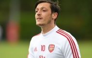 Ozil chỉ ra 1 sao Arsenal sẽ trở thành cầu thủ lớn trong tương lai