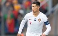 Từ quê nhà, Ronaldo báo 'hung tin' cho Juventus