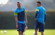 Bảo vệ Ozil, Podolski gửi thông điệp đến Arsenal