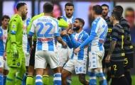 Choáng với sự thật đằng sau tấm thẻ đỏ ở trận Inter-Napoli