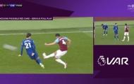 Lingard và Moyes 'nổi điên' sau thất bại trước Chelsea