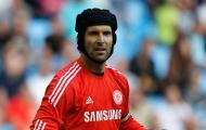 Chelsea xác nhận Petr Cech đặt 1 chân tới Arsenal