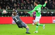 Dortmund nhảy vào cuộc đua tranh giành Bas Dost