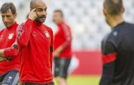 Guardiola quát tháo, Muller cự cãi với thầy