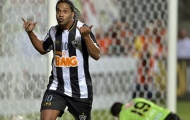 Cúp đúp sút phạt của Ronaldinho vào lưới Fluminense