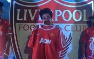 """Điểm tin hậu trường 16/07: Fan M.U """"tươi tỉnh"""" khoe áo Quỷ đỏ tại sự kiện của FC Liverpool"""