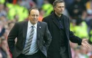 """Mourinho """"cay nghiệt"""" với vợ chồng Benitez"""