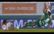 Rợn người với pha vào bóng ác ý tại vòng sơ loại Champions League