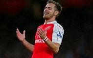 Ramsey lên tiếng phản pháo huyền thoại M.U