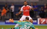 """Để Walcott dự bị là sai lầm của Wenger"""