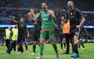 Gianluigi Buffon vượt mặt Del Piero, đi vào lịch sử Juventus