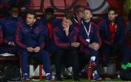 """Chuyên gia Sky Sports: Cầu thủ Man Utd đã """"núp"""" sau Van Gaal"""