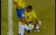 """Ronaldo, Goetze & những sao bóng đá từng """"tè bậy"""" nơi công cộng"""