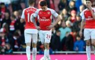 'Arsenal tự đá bay danh hiệu Premier League'