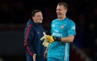 Đồng đội tiết lộ thái độ không tưởng của Mesut Ozil ở Arsenal