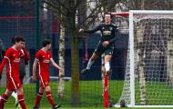 'Kane 2.0' rực sáng, M.U lại gieo sầu cho Liverpool