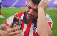 Luis Suarez khiến nữ phóng viên xinh đẹp mủi lòng