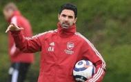 CHÍNH THỨC! Arsenal chia tay 4 cầu thủ, sắp 'tống khứ' 8 cái tên khác