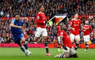Solskjaer đang kéo lùi hàng thủ Man Utd