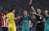 Đây, điều Hugo Lloris đã làm sau chiếc thẻ đỏ trong trận hòa PSV