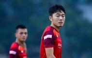 NÓNG: Lương Xuân Trường dính chấn thương, phải nhờ đồng đội dìu ra khỏi sân tập