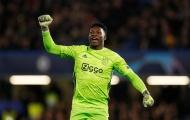 Giải nguy cho hàng thủ, Arsenal nhắm đến 'người nhện' Ajax
