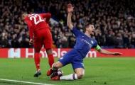 Thua tan nát, fan Chelsea nổi khùng: 'Bán 2 tên hết thời và ngu ngốc đó'