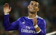 'Ronaldo rê bóng qua 5 người và ghi bàn là điều KHÔNG THỂ'