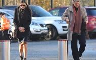 Bị bạc đãi, Schweinsteiger vẫn cùng vợ đến cổ vũ M.U
