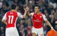 Huyền thoại Arsenal 'bày' Wenger cách giữ chân Oezil, Sanchez