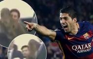 Messi ôm hôn con trai Suarez trong xe