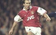 Đội hình 3 hậu vệ Arsene Wenger dùng cách đây 20 năm