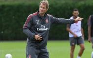 Thay Wenger, Lehmann đứng ra 'quát tháo' các sao Arsenal