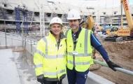 'Bộ sậu' Tottenham hớn hở đi thăm SVĐ White Hart Lane mới