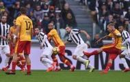Pha sút phạt suýt khiến Juventus ôm hận trước Benevento
