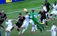 Thủ môn ghi bàn phút cuối, Milan bị cầm chân khó tin